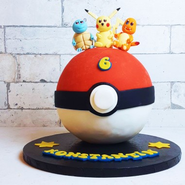 Pokemon Ball Torte