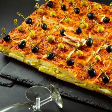 Pizzawürfel gefüllt Platte gross