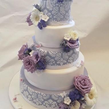Hochzeitstorte violet dream